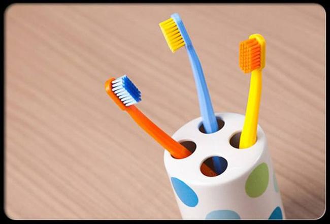Có 100 triệu vi khuẩn trên bàn chải đánh răng của bạn, làm thế nào để bàn chải sạch sẽ? - Ảnh 4