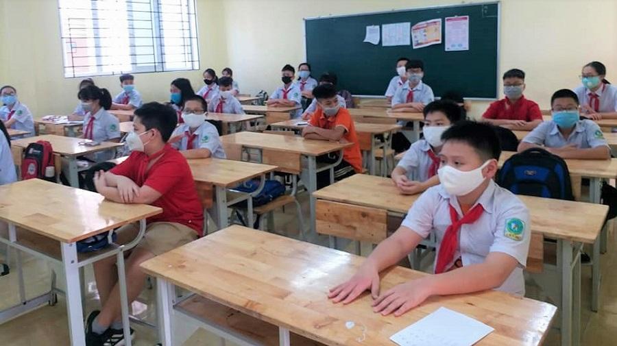 MỚI: Sở GD-ĐT Hà Nội đề xuất cho học sinh khối đầu cấp và cuối cấp ở 'vùng xanh' trở lại trường - Ảnh 1