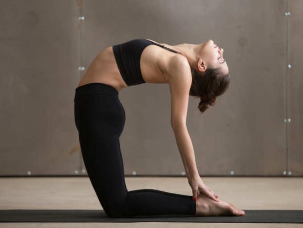 5 tư thế yoga giúp giảm trào ngược axit dạ dày hiệu quả không cần dùng thuốc - Ảnh 1