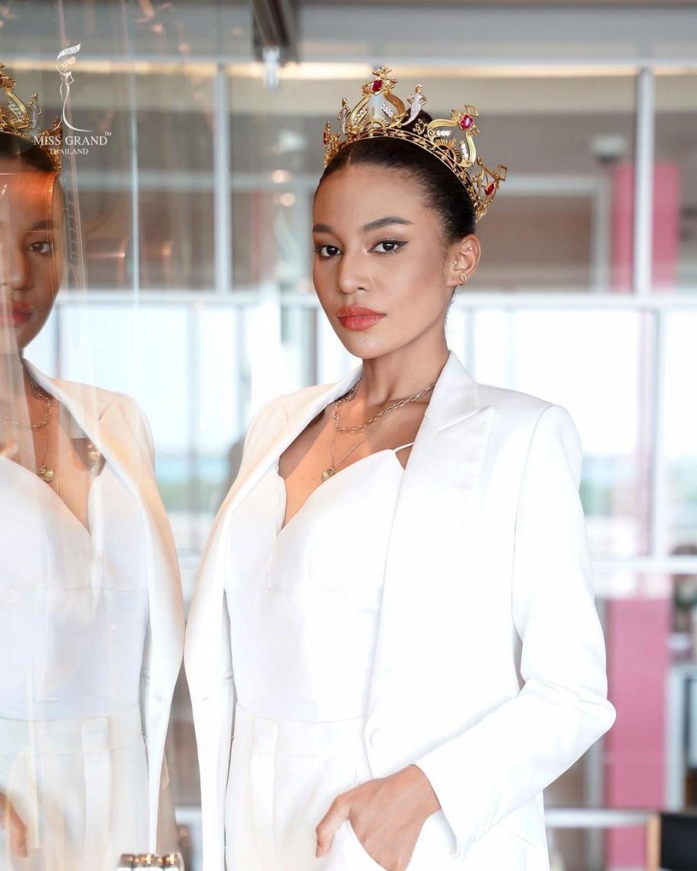 Giật mình Tân Hoa hậu Hòa bình Thái Lan giống Dương Lâm như tạc từ mắt, mũi, miệng, cứ như anh em thất lạc mới tìm được nhau - Ảnh 1
