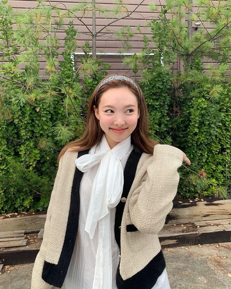 4 xu hướng nhuộm tóc mùa thu của sao Hàn: Toàn màu tôn da, thanh lịch hợp công sở - Ảnh 10