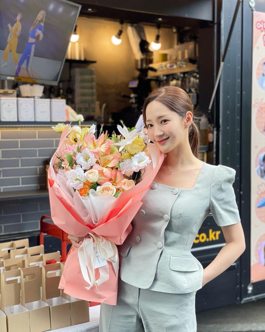 4 xu hướng nhuộm tóc mùa thu của sao Hàn: Toàn màu tôn da, thanh lịch hợp công sở - Ảnh 12