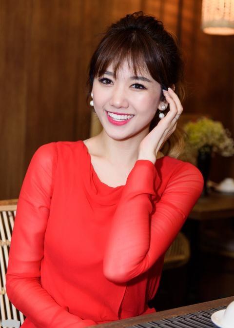 Hari Won cười rạng rỡ trong scandal Trấn Thành - Ảnh 1