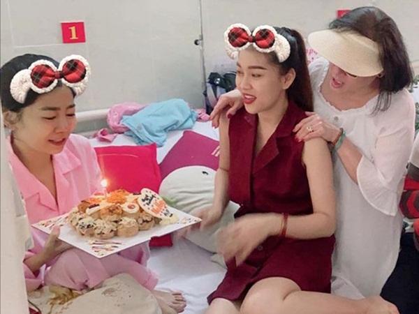 Hình ảnh cuối cùng của nghệ sĩ Mai Phương trước khi qua đời: Vẫn cố gắng lạc quan, nở nụ cười trấn an mọi người!