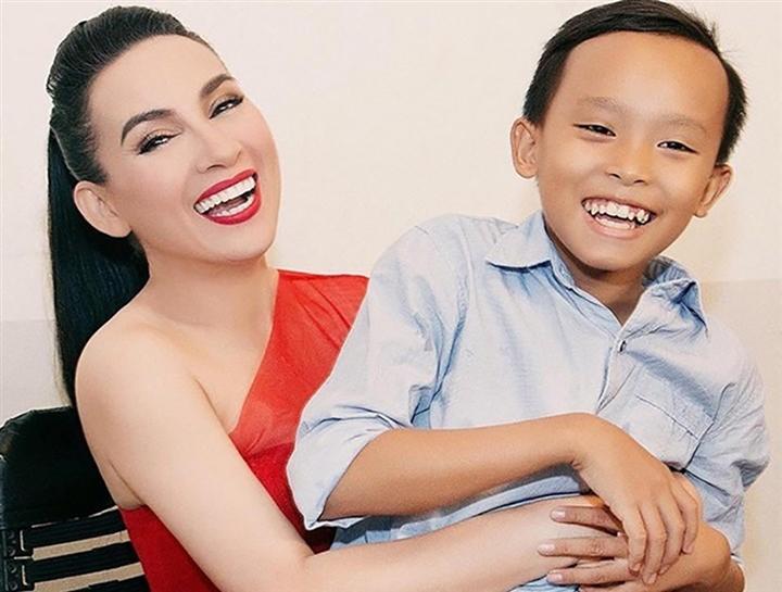 Ca sĩ Mỹ Lệ gọi Hồ Văn Cường là một đứa trẻ 'phức tạp', khẳng định: 'Nếu không phải là con nuôi Phi Nhung, Hồ Văn Cường khó có ngày hôm nay' |