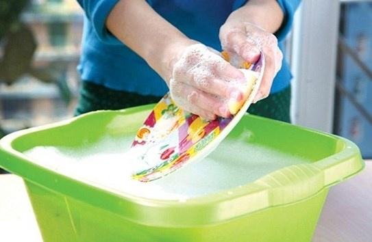 Thói quen CHẾT NGƯỜI khi rửa bát khiến cả nhà ĐỐI MẶT VỚI UNG THƯ và CHẾT SỚM HƠN RẤT NHIỀU - Ảnh 1