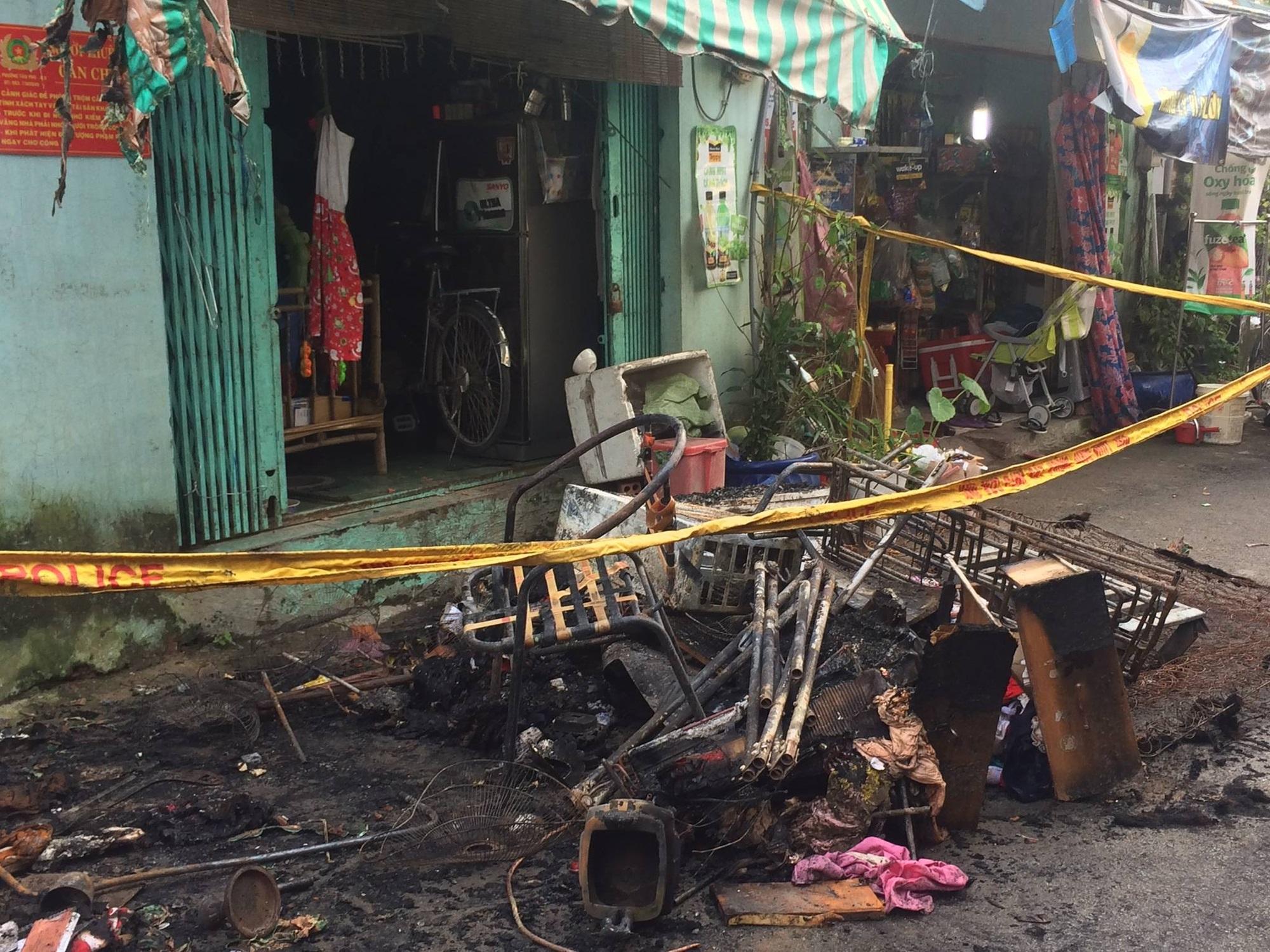 Vụ hỏa hoạn khiến 6 người thương vong tại TP. HCM: Người thân bất lực nhìn 2 bà cháu kêu cứu rồi chết cháy trong nhà - Ảnh 5