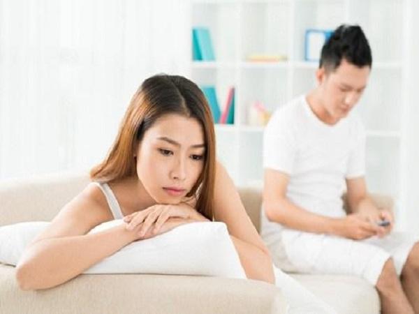 Những chiêu đàn ông thường sử dụng để giấu vợ chuyện ngoại tình