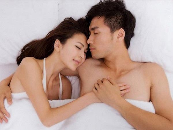 """Lời tự thú thật như đếm từ cặp đôi khẳng định hạnh phúc dù nói không với """"chuyện ấy"""""""