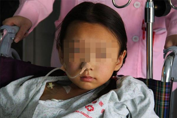3 món ăn nhiều trẻ Việt thích khiến cô bé 10 tuổi mắc ung thư tuyến giáp - Ảnh 1