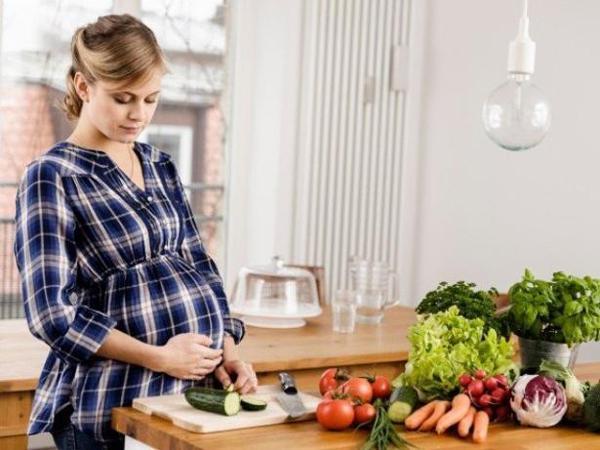 Bà bầu đừng ngại nhờ chồng nấu ăn, ở trong bếp lâu không hề tốt cho thai nhi - Ảnh 2