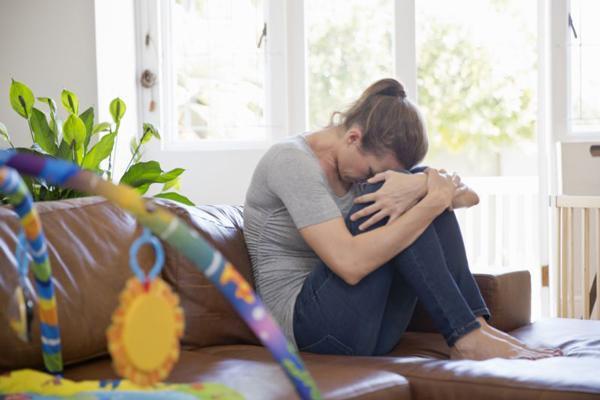 """Đau đớn mẹ trẻ tự tử vì """"con quái vật"""" hầu hết chị em gặp phải sau sinh - Ảnh 1"""