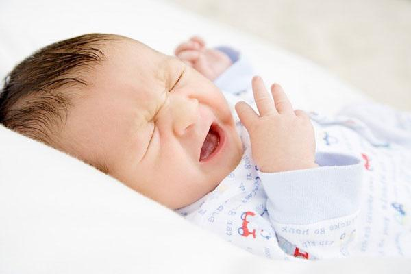 Bác sĩ chỉ cách trị sổ mũi cho trẻ sơ sinh tại nhà không cần dùng thuốc - Ảnh 3