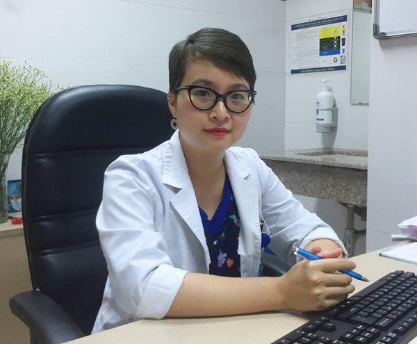 Bác sĩ Da liễu Trung ương mách mẹ cách chăm sóc viêm da cơ địa ở trẻ - Ảnh 2