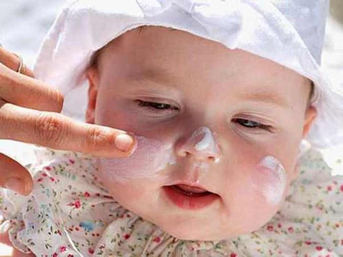 Bác sĩ Da liễu Trung ương mách mẹ cách chăm sóc viêm da cơ địa ở trẻ - Ảnh 6