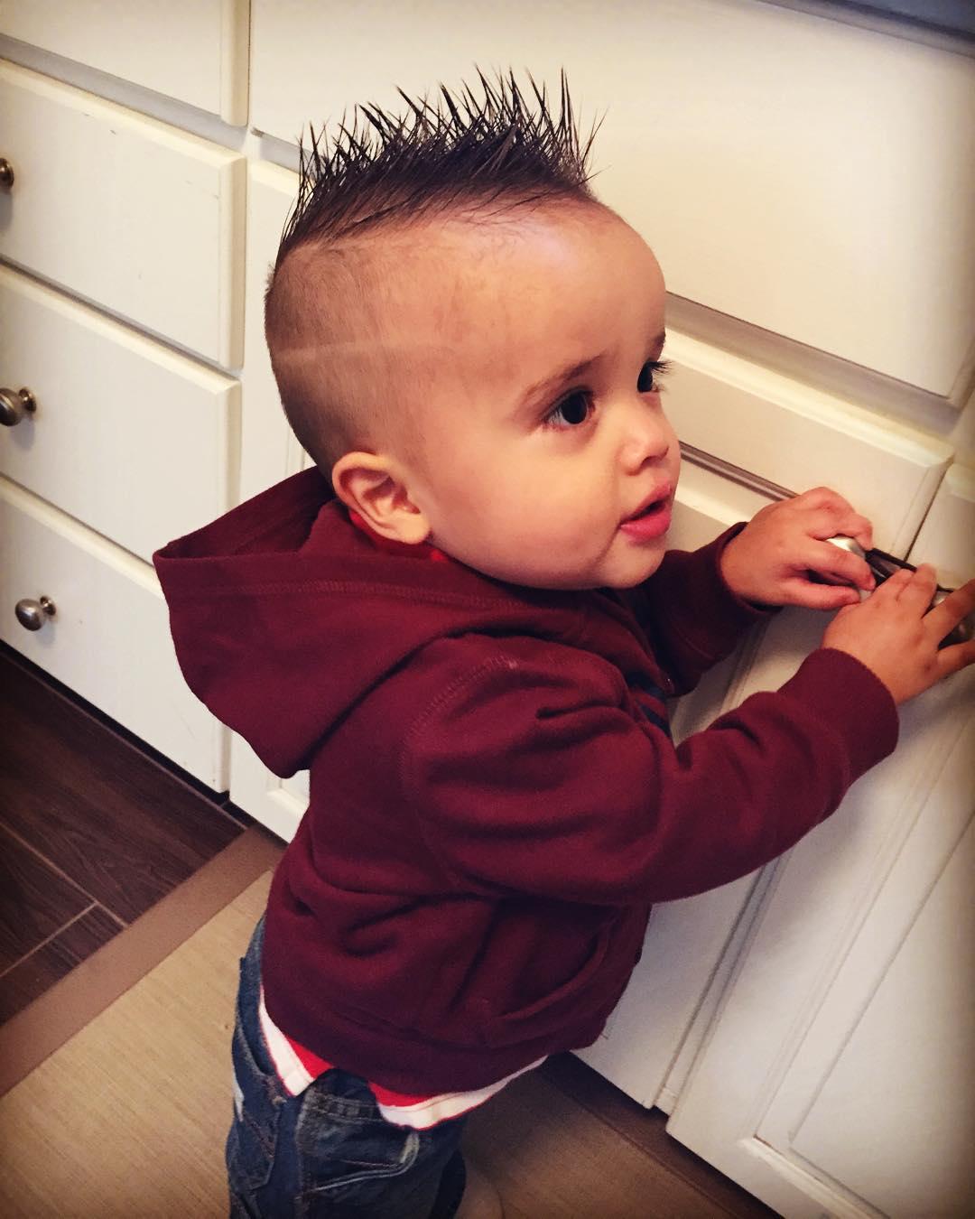Bật mí những bí kíp giúp tóc trẻ mọc nhanh thần tốc, mẹ tự tin tạo kiểu cho con - Ảnh 2