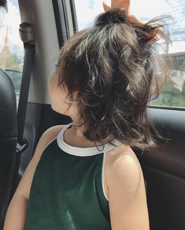 Bé gái Sài Gòn cứ ra phố là bị nhầm thành con gái Elly Trần - Ảnh 3
