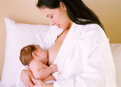Cách ăn uống sau sinh để mẹ đẹp, con khỏe - Ảnh 1