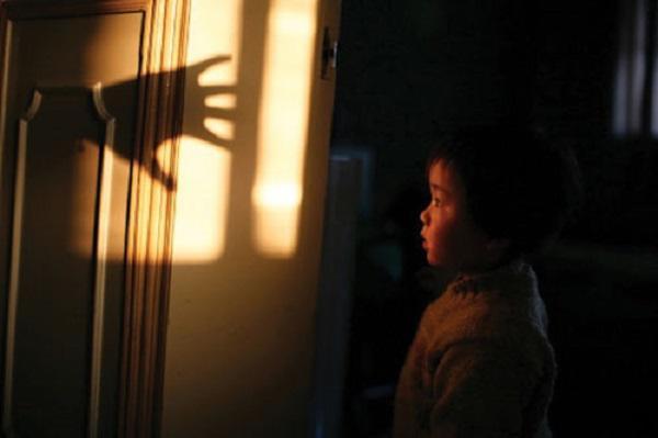 Cách hay dạy con đối mặt với nỗi sợ 'ma' của bà mẹ Trung Quốc - Ảnh 2