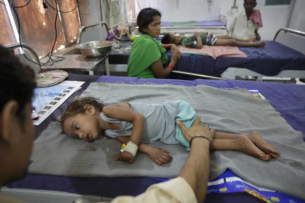 Cảnh báo nguy cơ trẻ em tử vong do ăn vải lúc đói - Ảnh 2