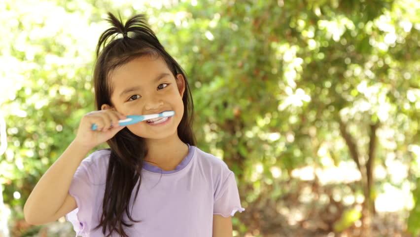 Trẻ hết đau buốt, sưng viêm ngay lập tức với cách chữa bệnh sâu răng hiệu quả trong 'một nốt nhạc' - Ảnh 5