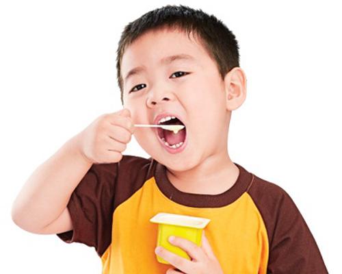 Chuyên gia dinh dưỡng hướng dẫn cha mẹ cho trẻ ăn phô mai tươi đúng cách - Ảnh 1