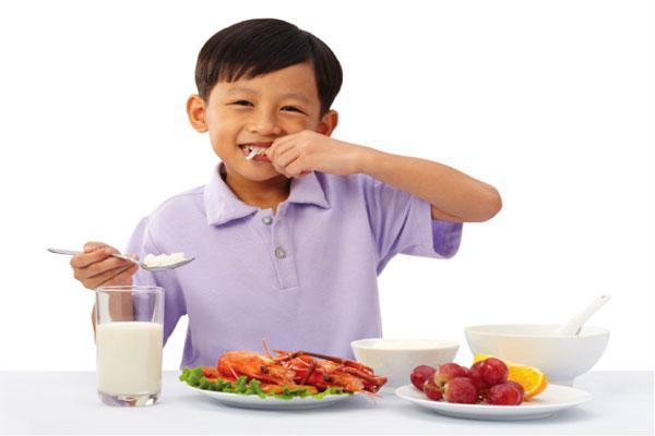 Con cao thêm 4,3cm sau 2 tháng, nhìn thực đơn mẹ cho ăn hàng ngày ai cũng choáng - Ảnh 2