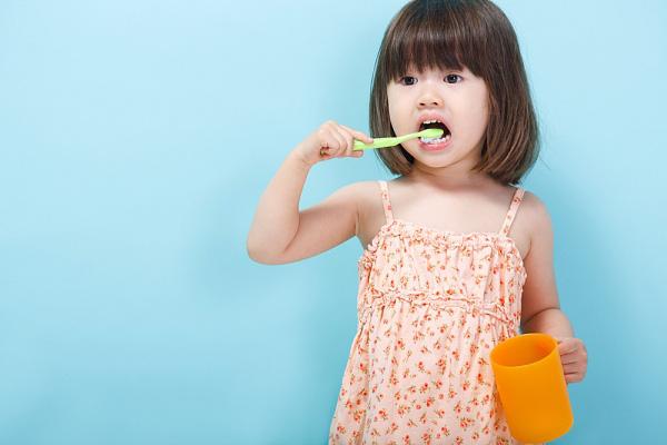 Mách mẹ những tuyệt chiêu giúp trẻ hứng thú với việc đánh răng hàng ngày - Ảnh 4