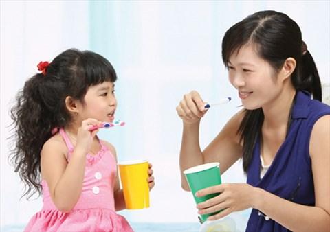 Mách mẹ những tuyệt chiêu giúp trẻ hứng thú với việc đánh răng hàng ngày - Ảnh 5