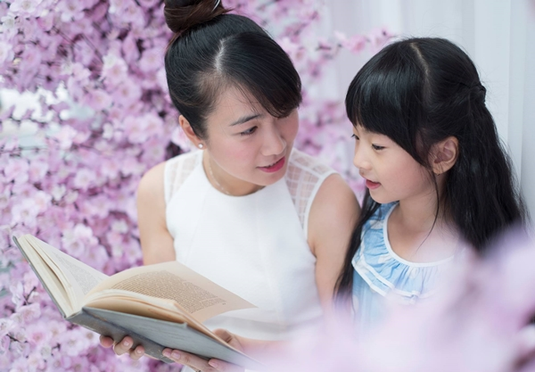 MC Thanh Thảo giúp con biết nói sớm và tự tin giao tiếp nhờ đọc sách - Ảnh 1