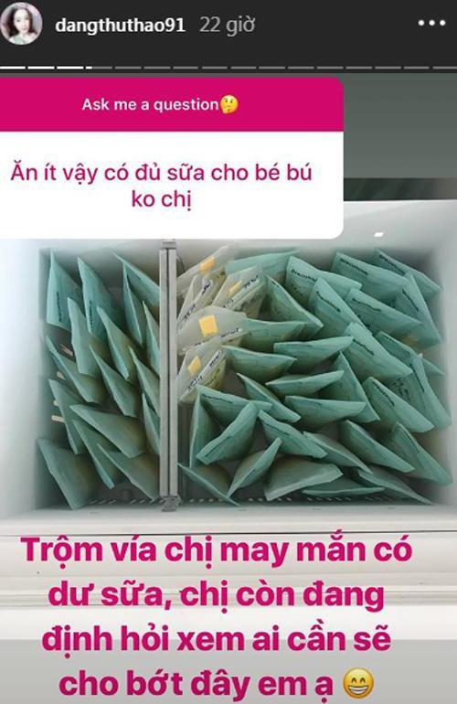 Mỗi ngày chỉ ăn 1-2 bát cơm, Hoa hậu Đặng Thu Thảo vẫn thừa cả tủ sữa cho con - Ảnh 1