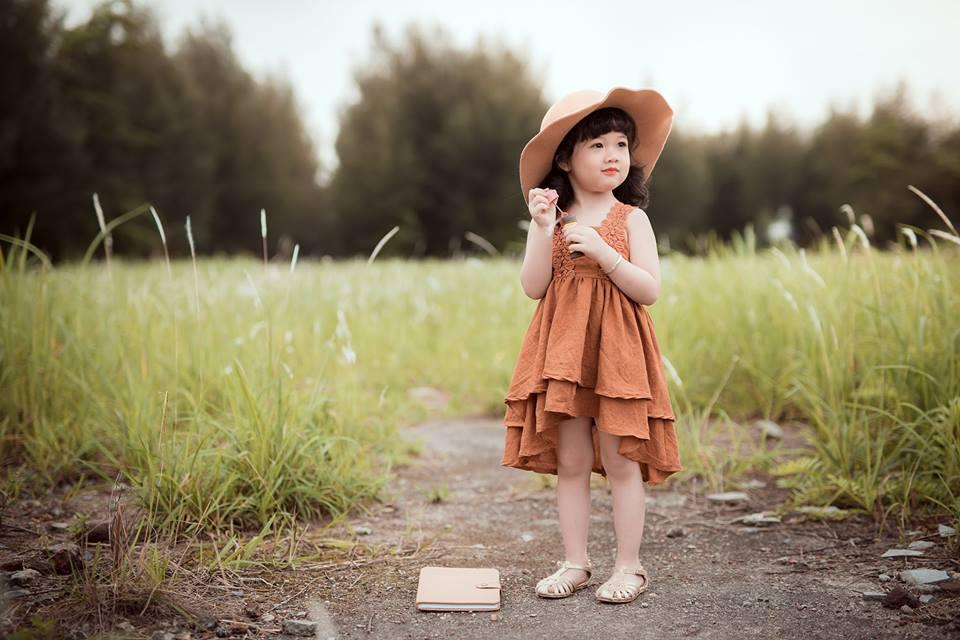 Ngắm bộ ảnh nàng công chúa nhí đẹp như thiên thần đánh cắp trái tim hàng triệu người - Ảnh 9