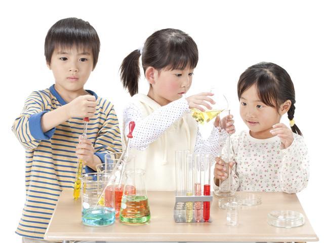Những loại đồ chơi thông minh cho bé giúp phát triển trí não vượt bậc - Ảnh 1