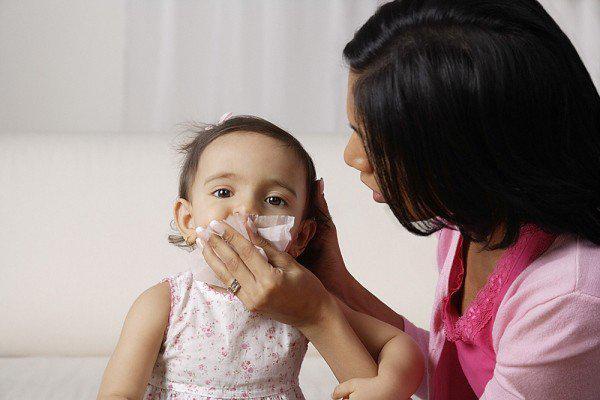 Nóng lạnh bất thường, cẩn thận với 7 căn bệnh về đường hô hấp ở trẻ - Ảnh 3