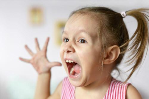 Phải làm sao khi con 3 tuổi nói không nên câu? - Ảnh 1