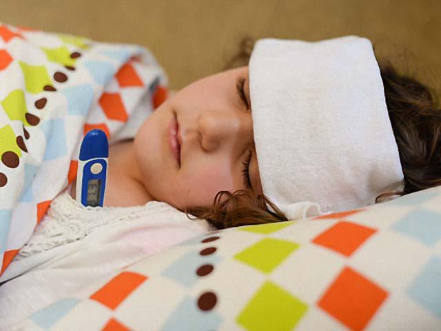 Triệu chứng sốt siêu vi ở trẻ, mẹ không được bỏ qua - Ảnh 1