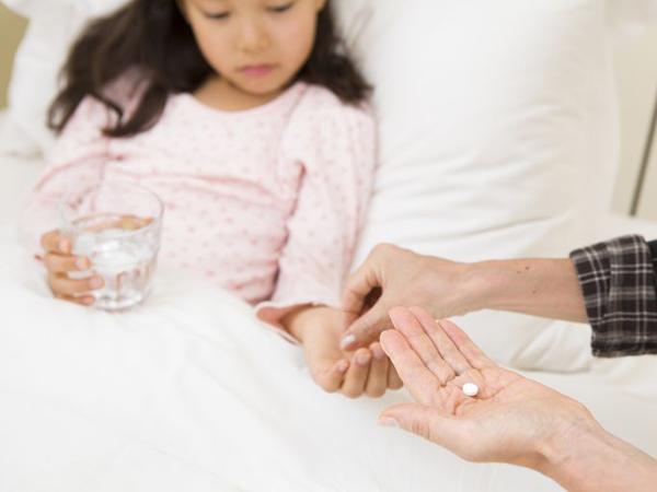 Triệu chứng sốt siêu vi ở trẻ, mẹ không được bỏ qua - Ảnh 2
