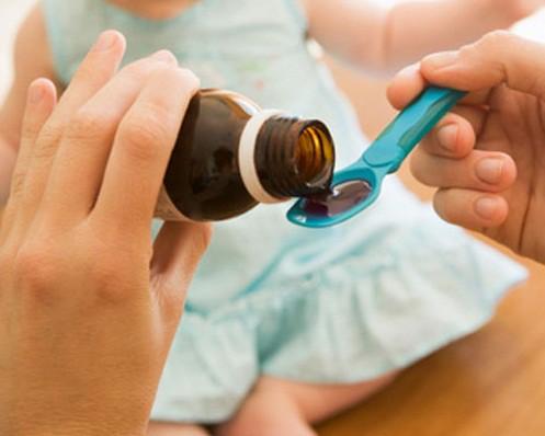 Từ cháu bé 5 tuổi phải cấp cứu đến những hệ lụy khôn lường khi tự ý dùng thuốc ho cho trẻ - Ảnh 3