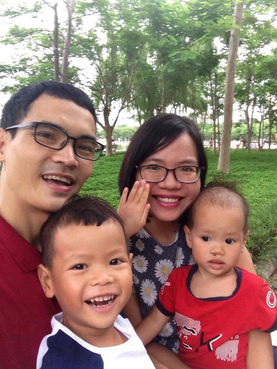 Từng cạn kiệt sữa mẹ nhưng chỉ làm 1 điều duy nhất, mẹ Việt lại tràn trề sữa cho 2 con bú cùng lúc - Ảnh 1