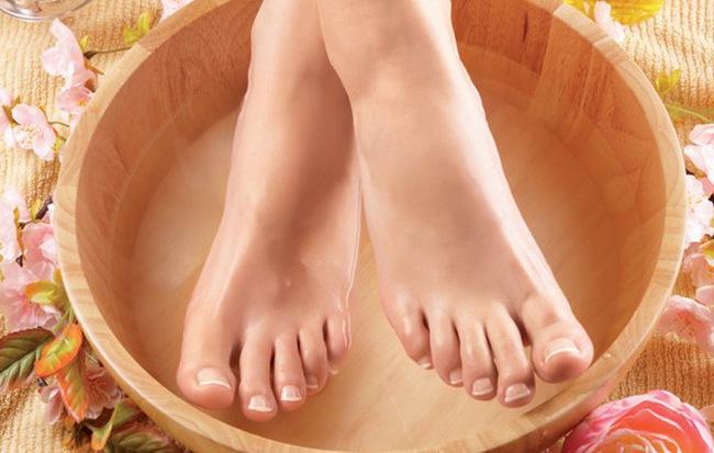 Nhìn xuống bàn chân xem bạn có những dấu hiệu thể hiện cuộc sống an nhàn phú quý sau này hay không - Ảnh 1