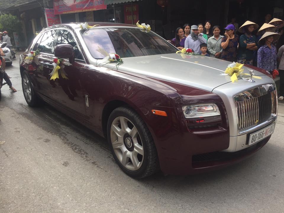 Siêu đám cưới tại Bắc Ninh: Kéo dài 15 ngày, 2 xe Rolls-Royce rước dâu, pháo hoa bắn rợp trời - Ảnh 5