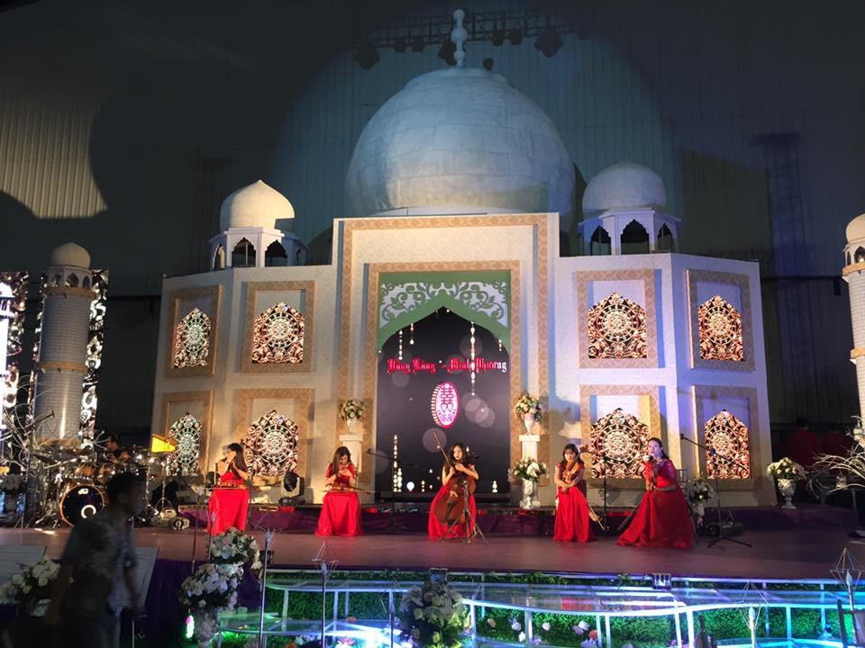 Siêu đám cưới tại Bắc Ninh: Kéo dài 15 ngày, 2 xe Rolls-Royce rước dâu, pháo hoa bắn rợp trời - Ảnh 8