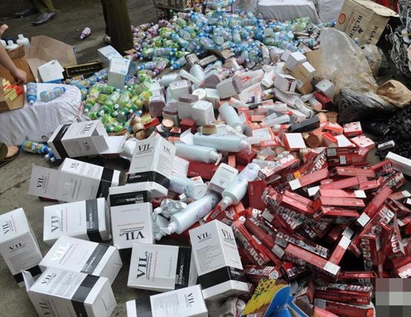 SỐC: Đua nhau mua mỹ phẩm ngoại nhập 'xách tay' Hàn, Úc, Mỹ, Pháp, Đức… hóa ra được sản xuất ngay trong nội địa Việt Nam - Ảnh 3