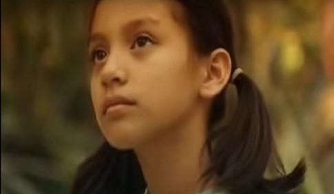 Con gái Phi Nhung có tên là Wendy sinh năm 1992.