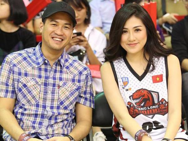 Đeo đồng hồ đôi, đi xem bóng rổ cùng nhau, Á hậu Tú Anh và em chồng Tăng Thanh Hà đang hẹn hò?