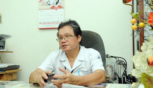 Bác sĩ Trương Hữu Khanh:  Người có 'thẻ xanh' vì từng là F0 an toàn hơn đối tượng có 'thẻ xanh' nhờ tiêm đủ vaccine  - Ảnh 1