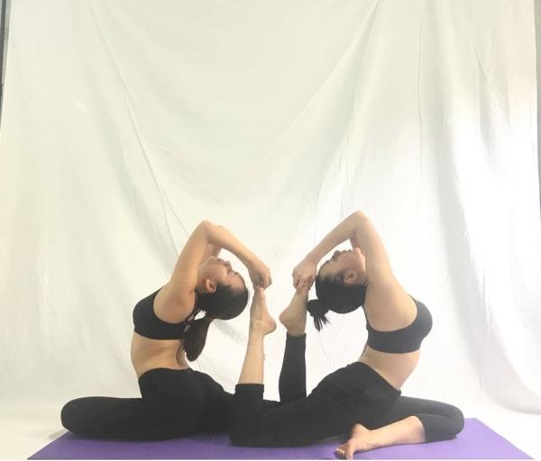 Thót tim với những động tác Yoga khó đỡ của Ái Phương - Ảnh 4