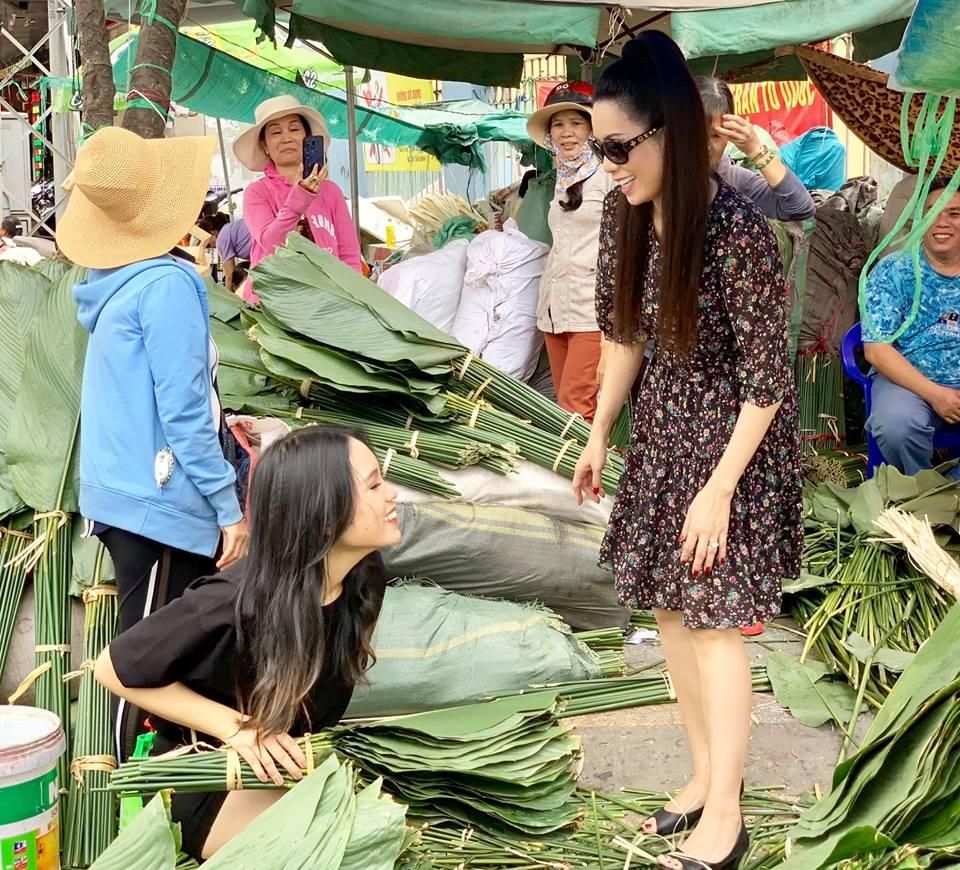 Ngẩn ngơ với loạt ảnh tuyệt đẹp của mẹ con Á hậu Trịnh Kim Chi giữa chợ lá dong - Ảnh 10