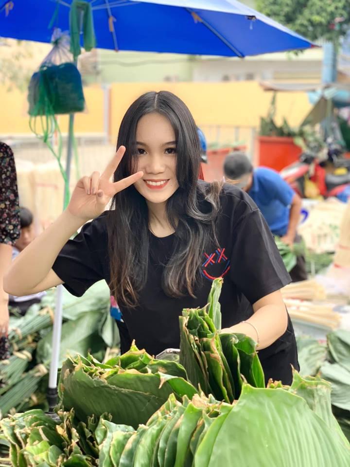 Ngẩn ngơ với loạt ảnh tuyệt đẹp của mẹ con Á hậu Trịnh Kim Chi giữa chợ lá dong - Ảnh 11