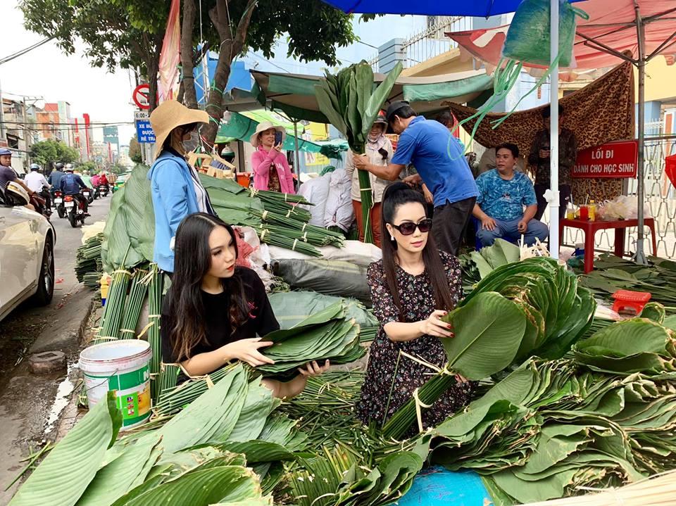 Ngẩn ngơ với loạt ảnh tuyệt đẹp của mẹ con Á hậu Trịnh Kim Chi giữa chợ lá dong - Ảnh 8